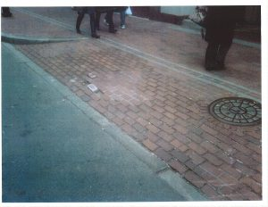 20161128_sidewalkdefect